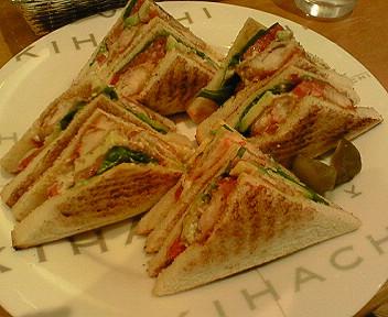 10月5日「パティスリー キハチ」のサンドイッチ