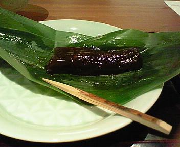 和久伝のイートインでお茶を。