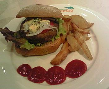 5月17日「サマーフィールド」のヘルシーそうなハンバーガー