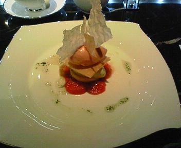 「トシ・ヨロイヅカ」でトマトのスイーツ