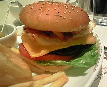 帝国ホテル「パークサイドダイナー」のセレブバーガー