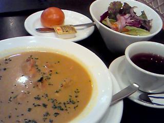 「ウエストパークカフェ」のボリュームたっぷりスープランチ